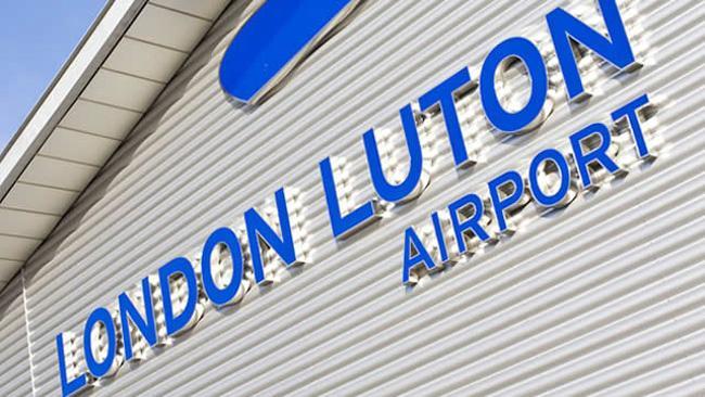 伦敦卢顿机场