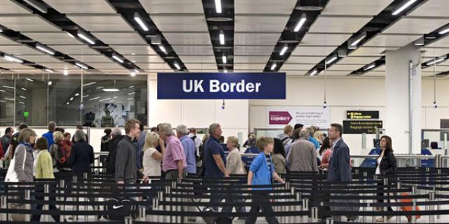 如何填写英国入境卡,及入境材料检查和简单英文对话