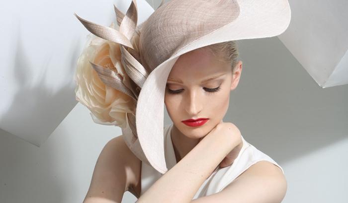 Philip Treacy设计的帽子