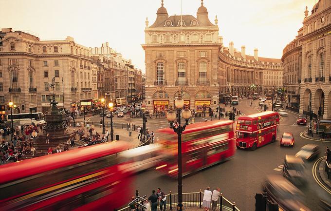 伦敦旅游之皮卡第里广场