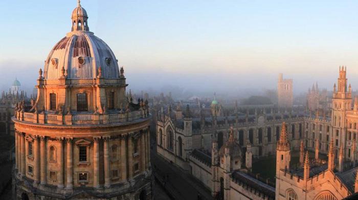 牛津大学万灵学院