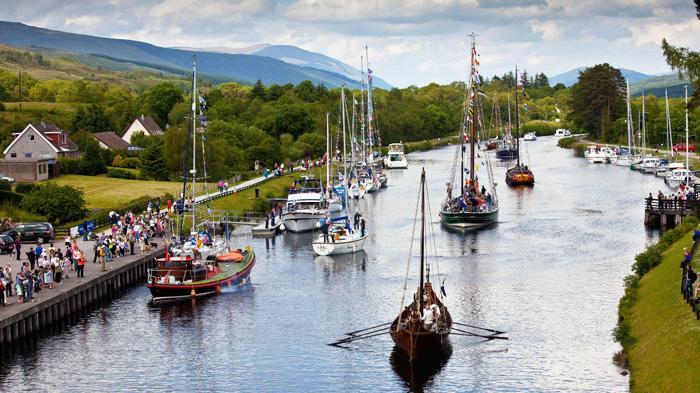 Caledonian Canal   苏格兰运河