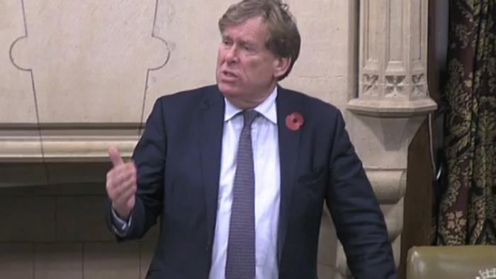 保守议员Simon Burns