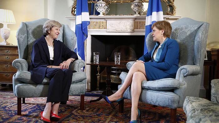梅姨和苏格兰第一大臣尼古拉·斯特金
