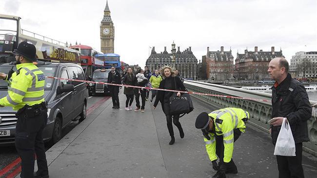 伦敦议会大厦遭恐怖袭击