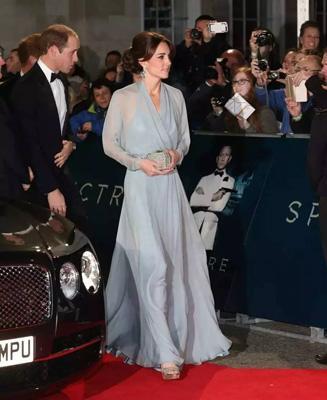 凯特王妃出席《007》皇家首映礼