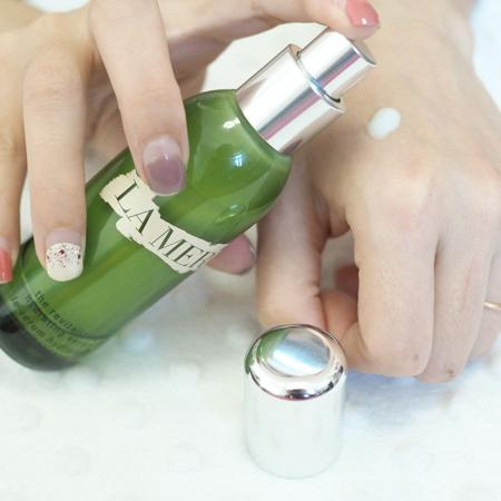赋活保湿精华 the revitalizing hydrating serum