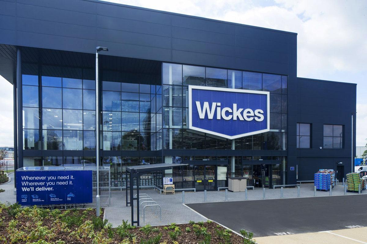 20180908-3060140_Wickes-Crawley-store-front